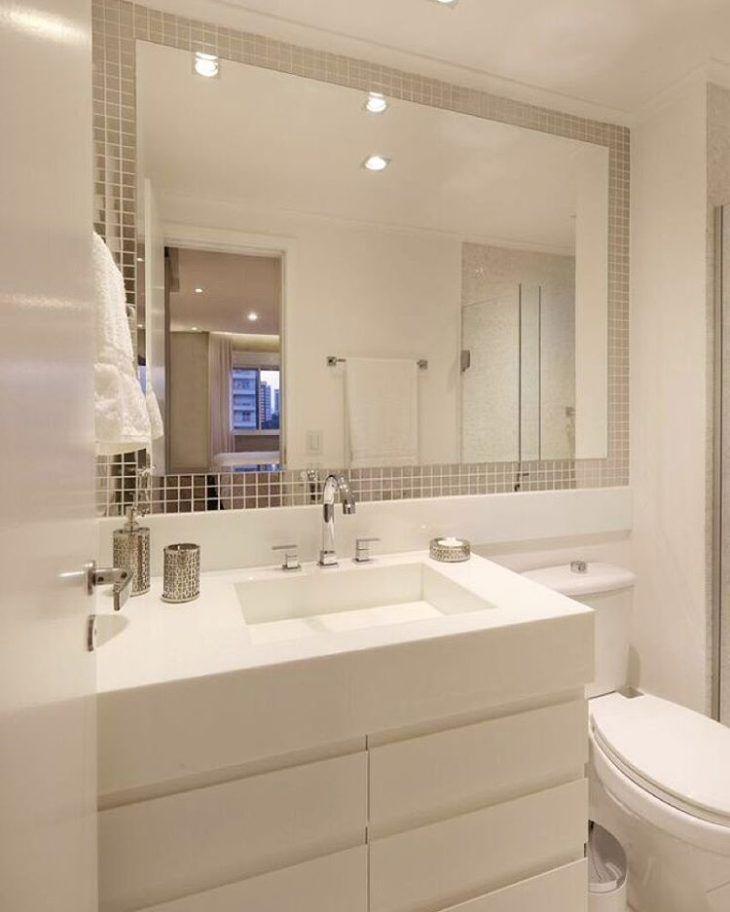 banheiro pequeno espelho