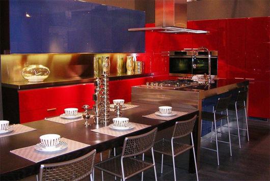 cozinha azul vermelho