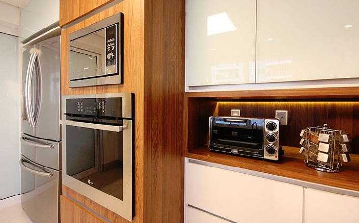 cozinha marrom branco